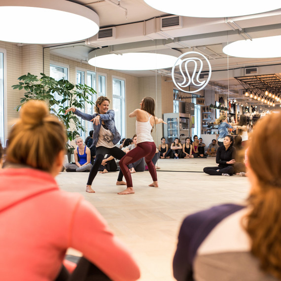 Acro Yoga @ Lululemon UK