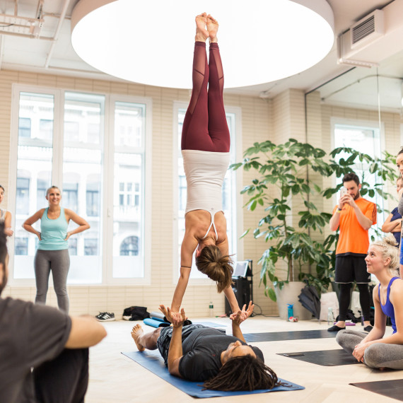 Lululemon UK - London yoga photography - AcroYogaDance